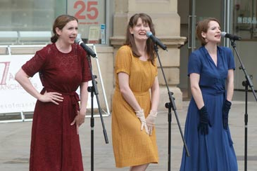 7 Ages of Manchester Festival 2005: 1940s Singers
